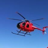 Inspiserer linjenettet fra helikopter